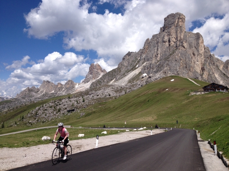 passo-giau-final-switchback